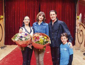 Martin Lacey mit Sohn und Frau Jana Mandana, Eva Padberg,  Kinder-Gala Circus Krone zu Gunsten Unicef 24.02.15 foto: Oliver Bodmer